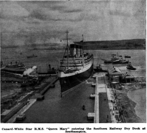 Queen Mary entering KG DOCK